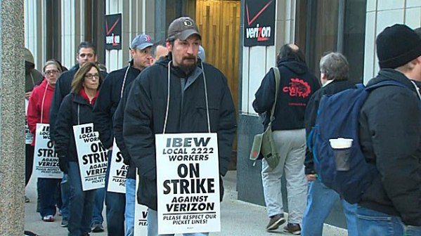Boston Verizon Workers Picket line
