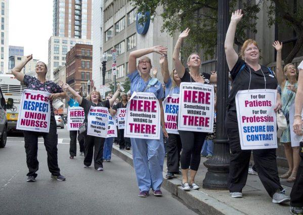 Tufts Nurses on strike